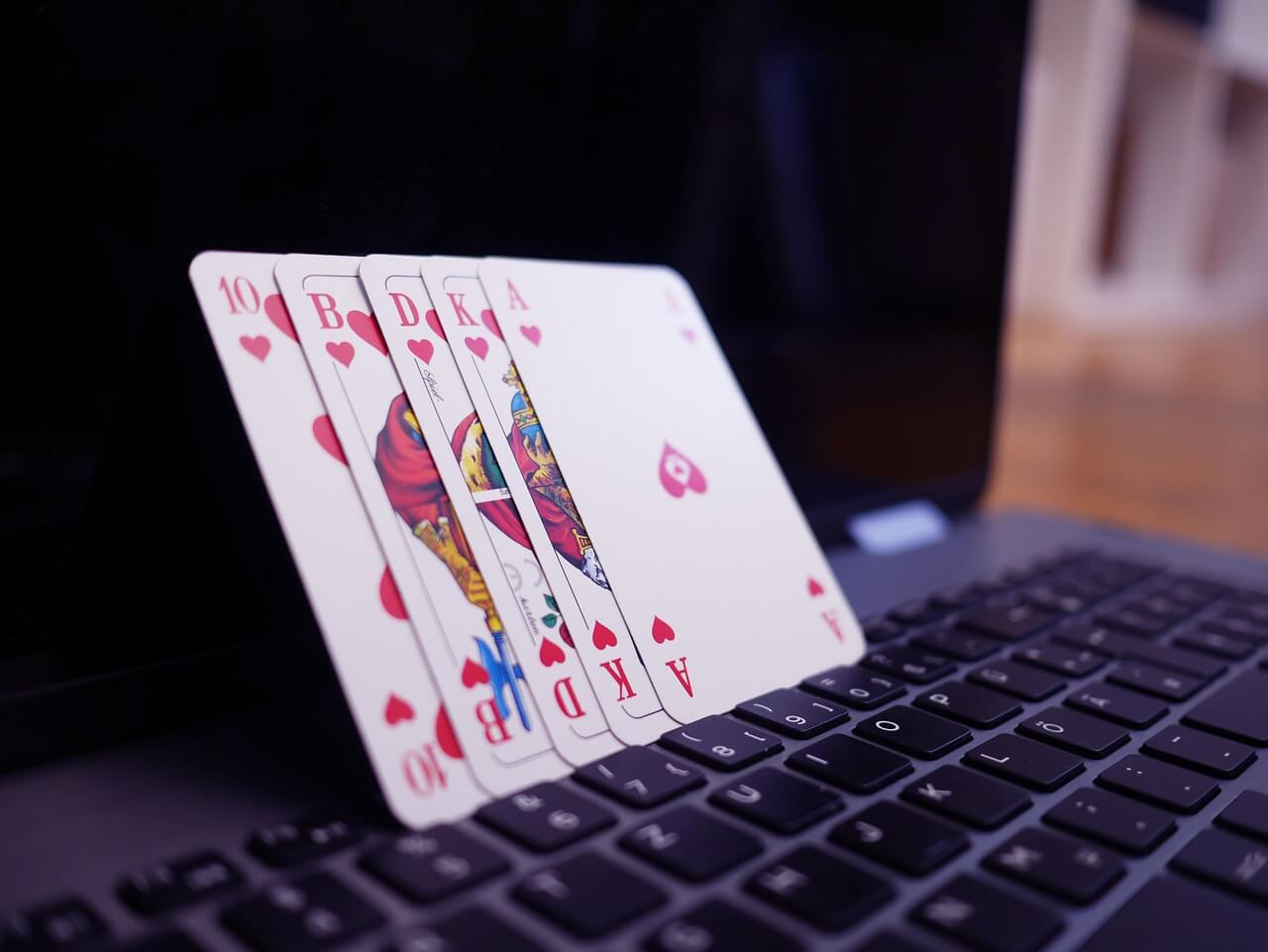Newbies can play online poker safely