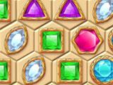 Amulet of Clans Green Gems