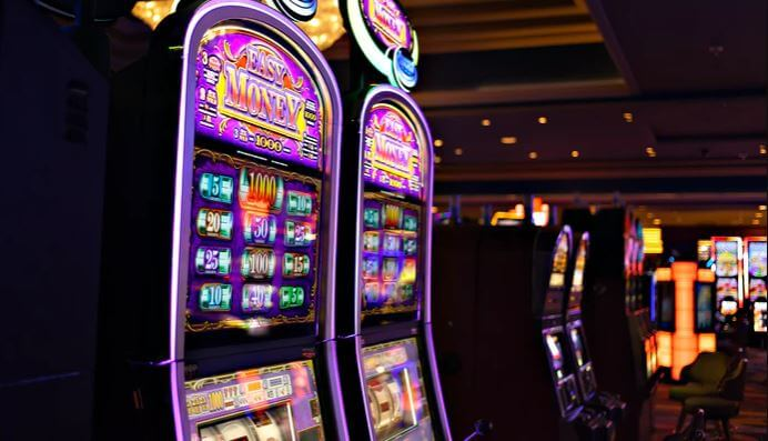 Try to develop your own effective slots strategy