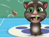 Giving your pet medicine in My Talking Tom 2
