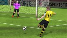 Aiming for the net in FIFA Mobile Soccer
