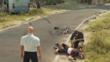 Stumbling upon an accident/opportunity in Hitman